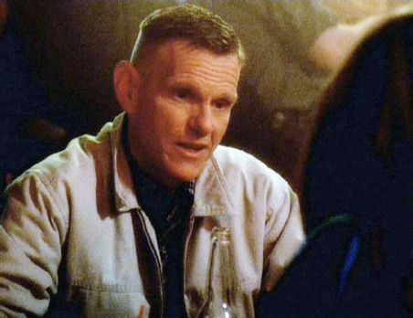 Navy CIS - Sergeant Bill Atlas (Steve Rankin) äußert einer Journalistin gegen...