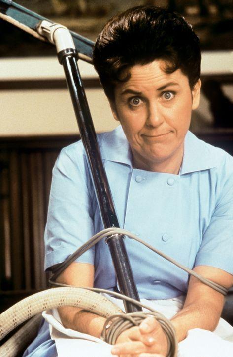 Haushälterin Alice (Henriette Mantel) hat eine Schwäche für Fesselspiele ... - Bildquelle: Paramount Pictures
