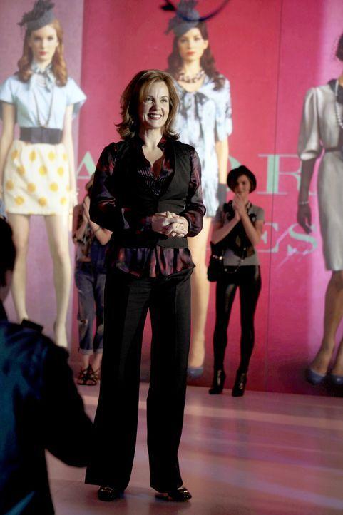 Eleanors (Margaret Colin) Modenschau in NY war, auch Dank Jennys Hilfe, ein riesiger Erfolg. - Bildquelle: Warner Brothers