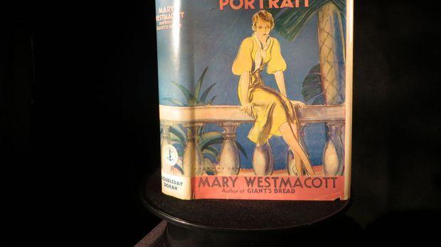 In New Jersey versucht Don Wildman mithilfe eines alten Buches, das mysteriös...