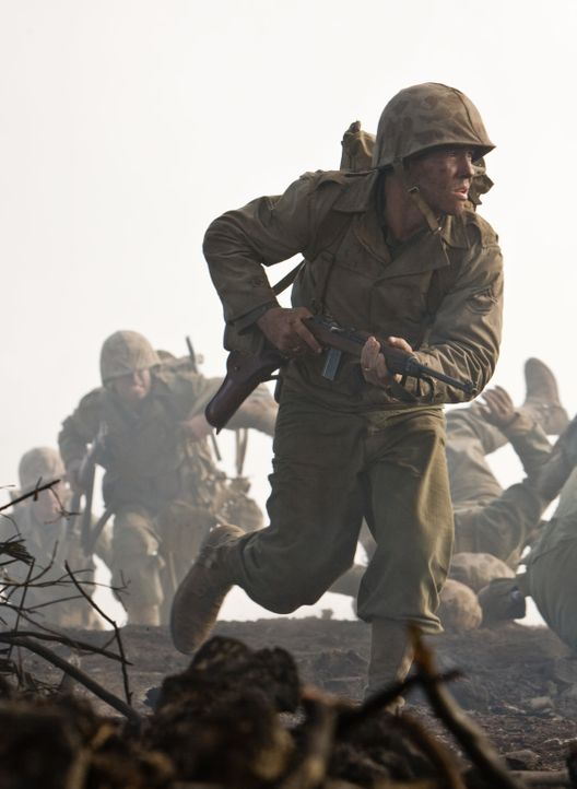 Weil John Basilone (Jon Seda) nicht länger Kriegsobligationen verkaufen will, wird er der 5th Marine Division zugeteilt, die auf Iwojima gegen die J... - Bildquelle: Home Box Office Inc. All Rights Reserved.
