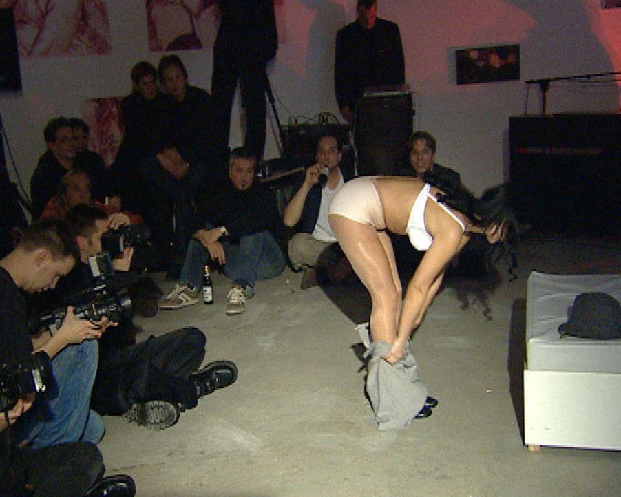 Crazy Hauptstadt: In den Berliner Clubs geht es wilder und freizügiger zu als in London oder Amsterdam. Und niemand nimmt Anstoß. - Bildquelle: Sat.1