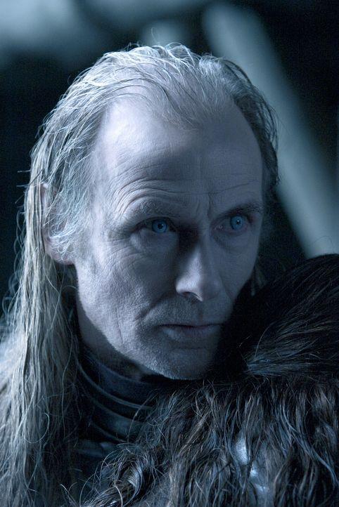 Bleibt auf der Strecke: der Vampir-Älteste Viktor (Bill Nighy) ... - Bildquelle: Sony Pictures Television International. All Rights Reserved.