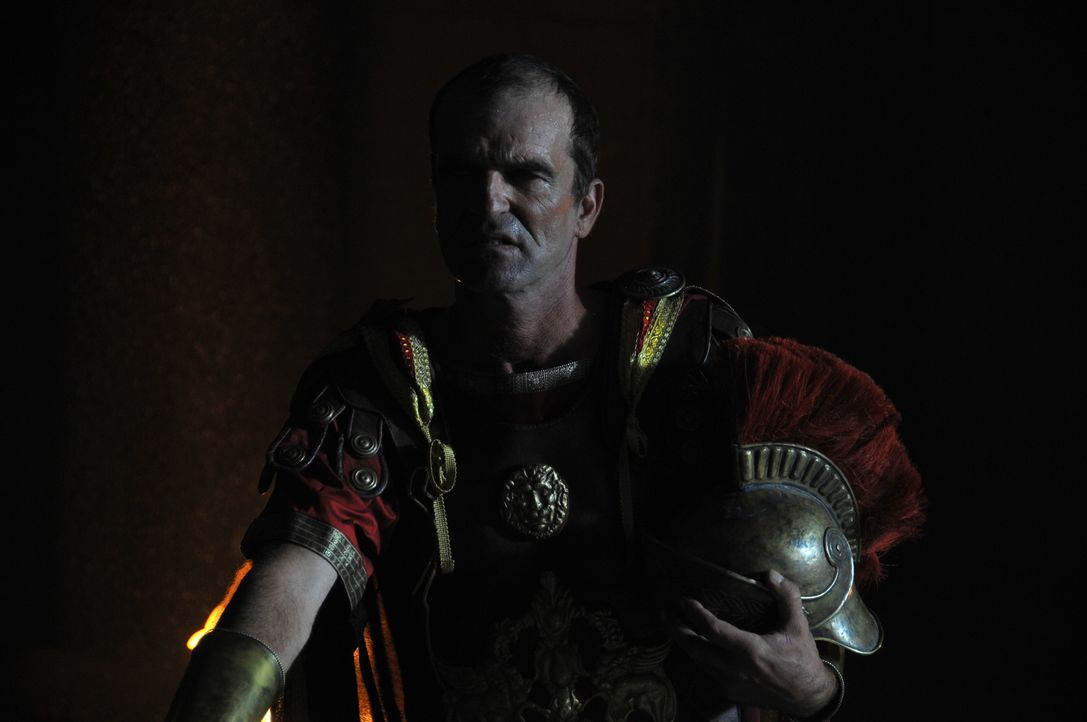 Auch Julius Ceaser ehrte Alexander den Großen an seinem Grab. Die Grabstätte ist heute jedoch spurlos verschwunden. Möglicherweise wurde sie während... - Bildquelle: 2011 - Parthenon Entertainment Ltd. All rights reserved.