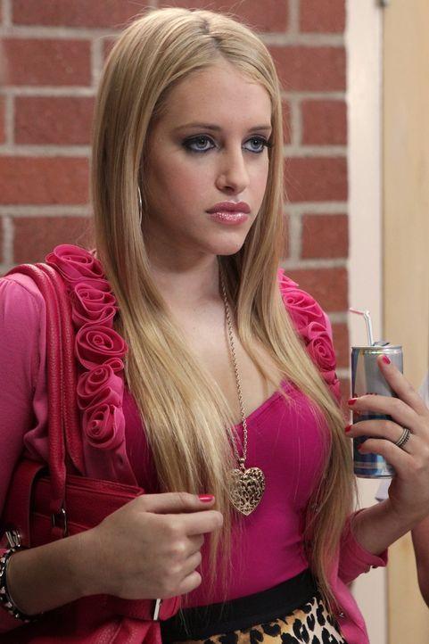 Tessas neue Mitschülerin: Dalia (Carly Chaikin) ... - Bildquelle: Warner Bros. Television
