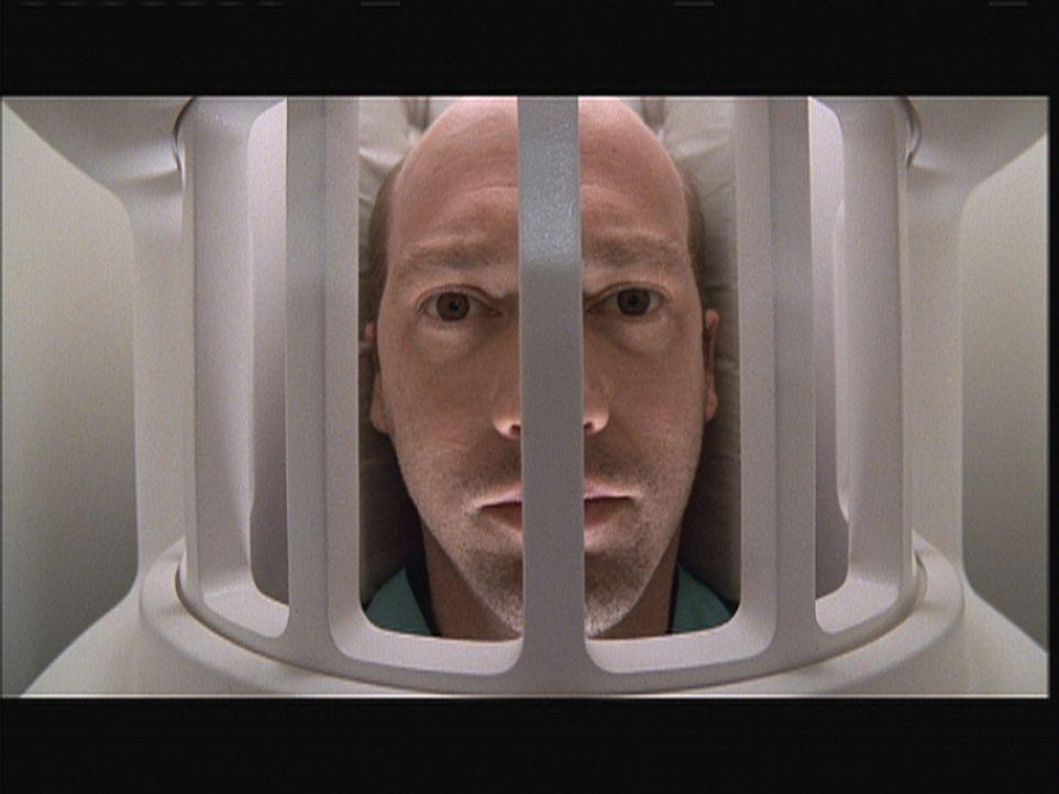 Mark Greene (Anthony Edwards) hofft, durch die Untersuchung eine Erklärung für seine Beschwerden zu bekommen. - Bildquelle: TM+  2000 WARNER BROS.