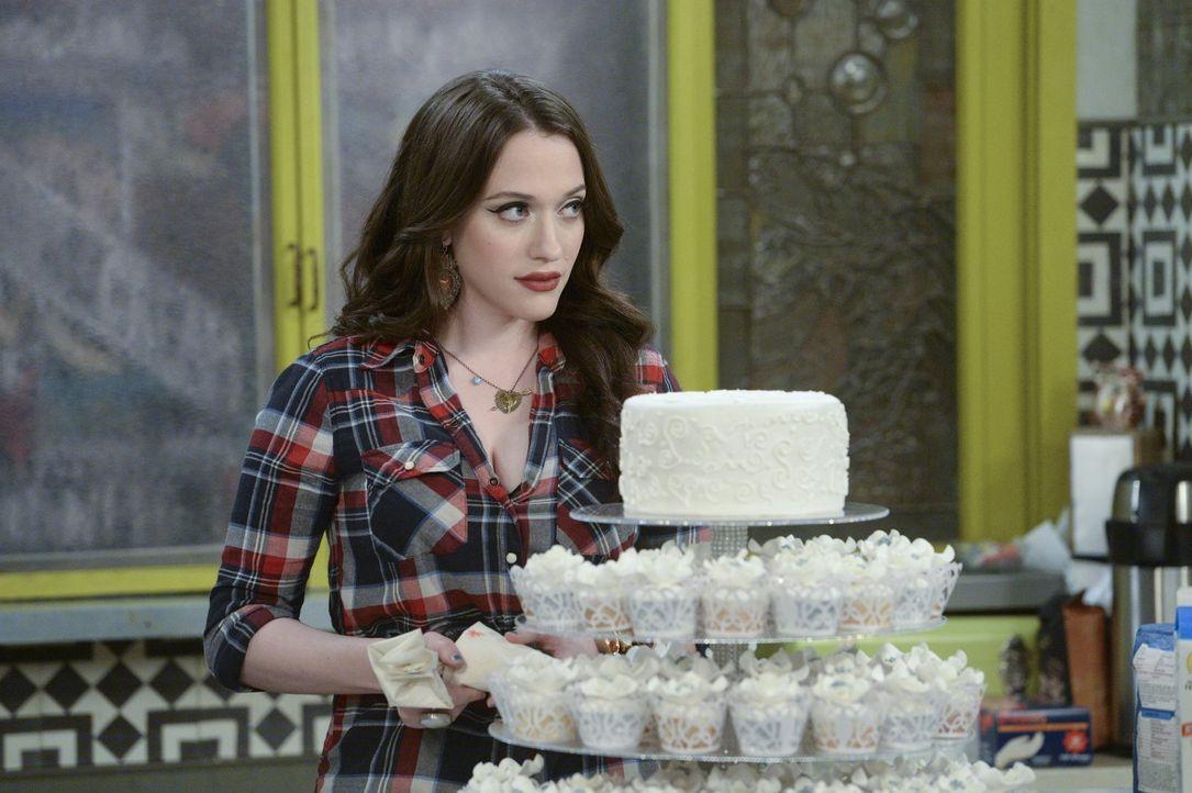 Die letzten Vorbereitungen für die Hochzeit ihrer Freunde werden komplizierter als erwartet: Max (Kat Dennings) ... - Bildquelle: Warner Bros. Television
