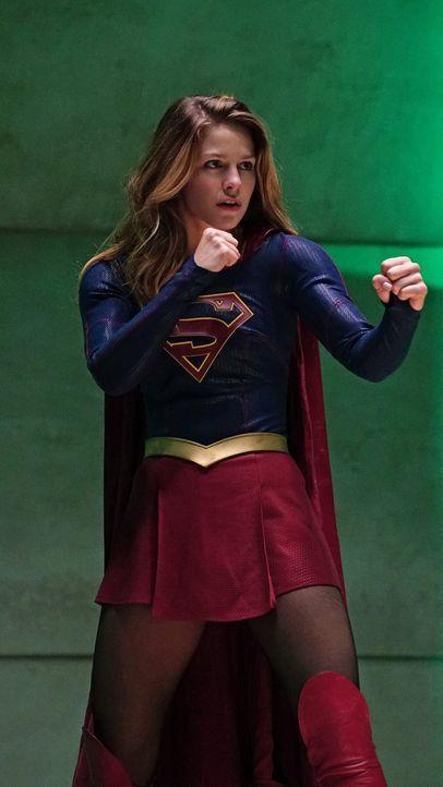 Je mehr sie von ihrer Tante Astra über die Vergangenheit Kryptons erfährt, desto mehr gerät Kara (Melissa Benoist) ins Zweifeln. Für was steht Astra... - Bildquelle: 2015 Warner Bros. Entertainment, Inc.