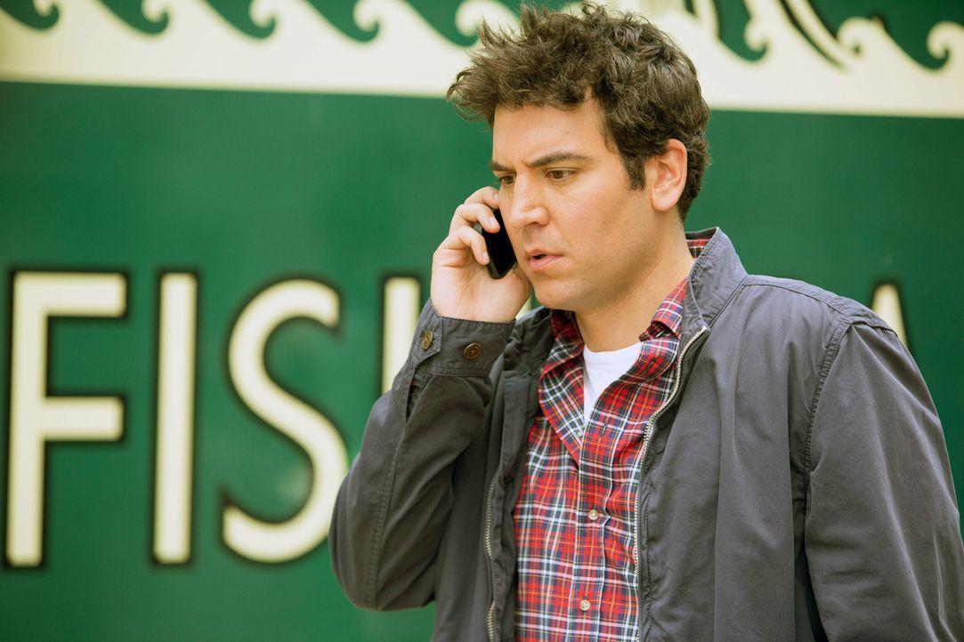 Um Marshall aus einer misslichen Lage zu helfen, gibt Ted (Josh Radnor) alles ... - Bildquelle: 2013 Twentieth Century Fox Film Corporation. All rights reserved.