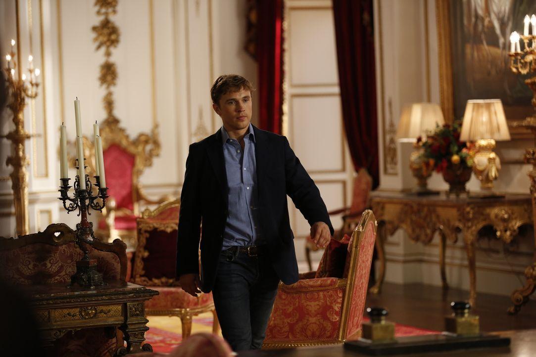 Während Prinzessin Eleanor einen neuen Leibwächter hat, versucht Liam (William Moseley) alles, um Ophelia zur Seite zu stehen ... - Bildquelle: Stuart Wilson 2014 E! Entertainment Media LLC/Lions Gate Television Inc.