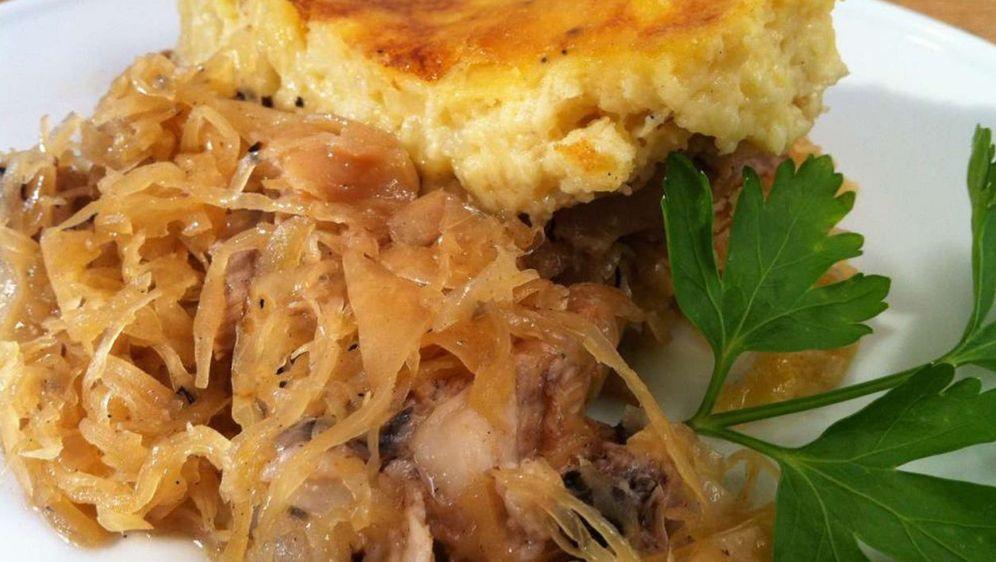 Eisbeinauflauf mit Sauerkraut