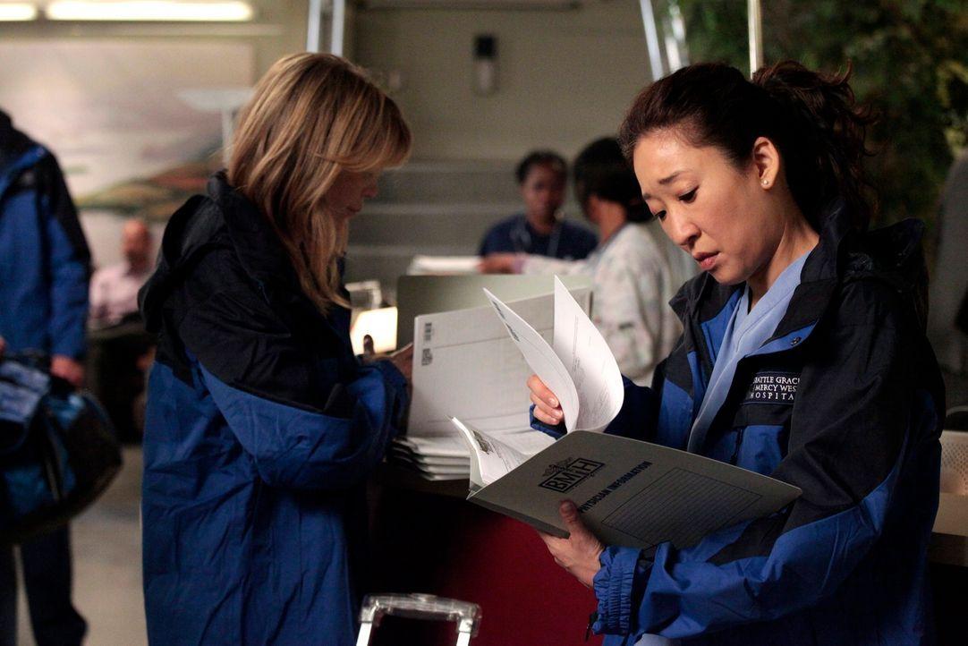 Eine große Herausforderung wartet auf Meredith (Ellen Pompeo, l.) und Cristina (Sandra Oh, r.) ... - Bildquelle: Touchstone Television