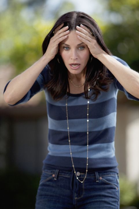 Überlegt, wie sie Bobby sagen soll, dass sie mit Grayson zusammen ist: Jules (Courteney Cox) ... - Bildquelle: 2009 ABC INC.