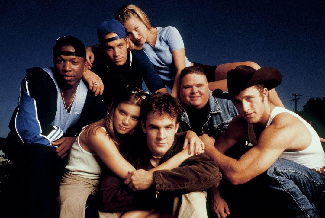 Die Jungs und Mädels von der West Canaan High: (vordere Reihe v.l.n.r.: Jules (Amy Smart), Jonathan (James Van Der Beek), Tweeder (Scott Caan), hint... - Bildquelle: Paramount Pictures