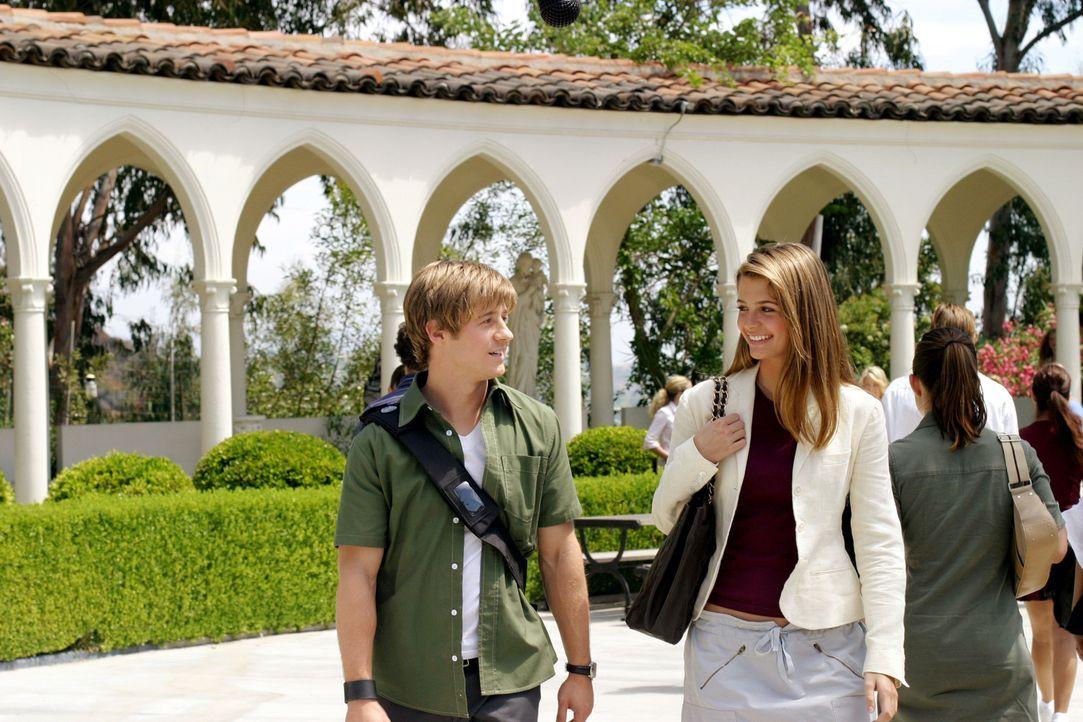 Nach all den vergangenen Ereignissen, haben Ryan (Benjamin McKenzie, l.) und Marissa (Mischa Barton, r.) etwas Bammel vor dem ersten Schultag ... - Bildquelle: Warner Bros. Television