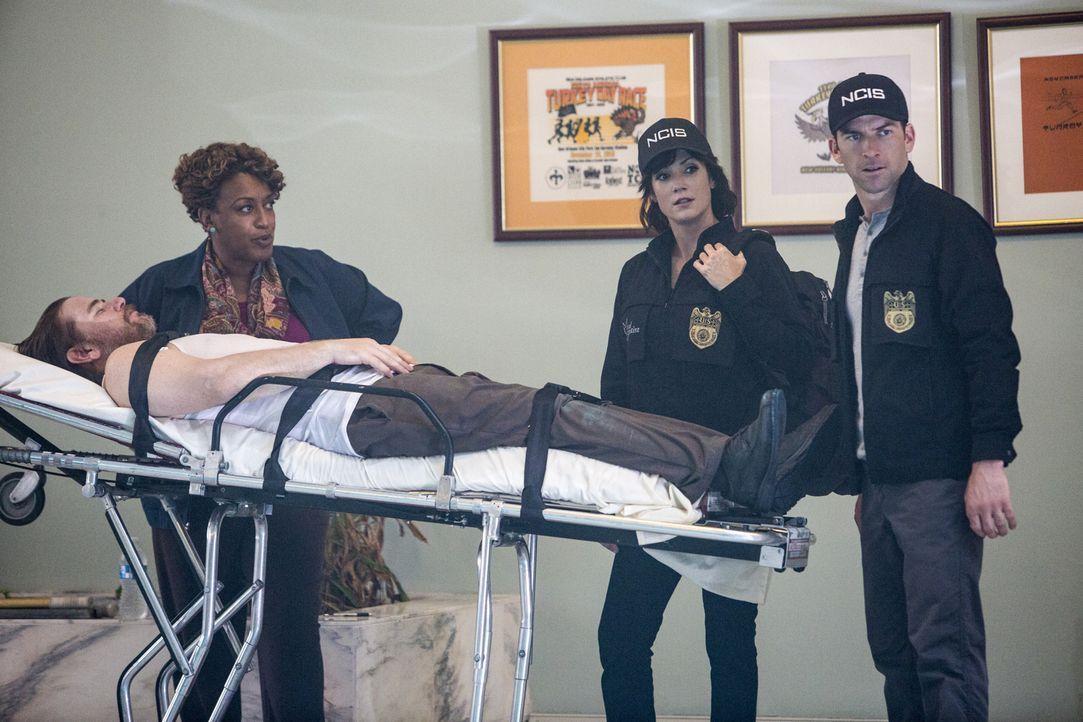 Das Team muss feststellen, dass es noch einen weiteren Toten gibt. Bei den Ermittlungen geben Wade (CCH Pounder, l.), LaSalle (Lucas Black, r.) und... - Bildquelle: Skip Bolen 2015 CBS Broadcasting, Inc. All Rights Reserved