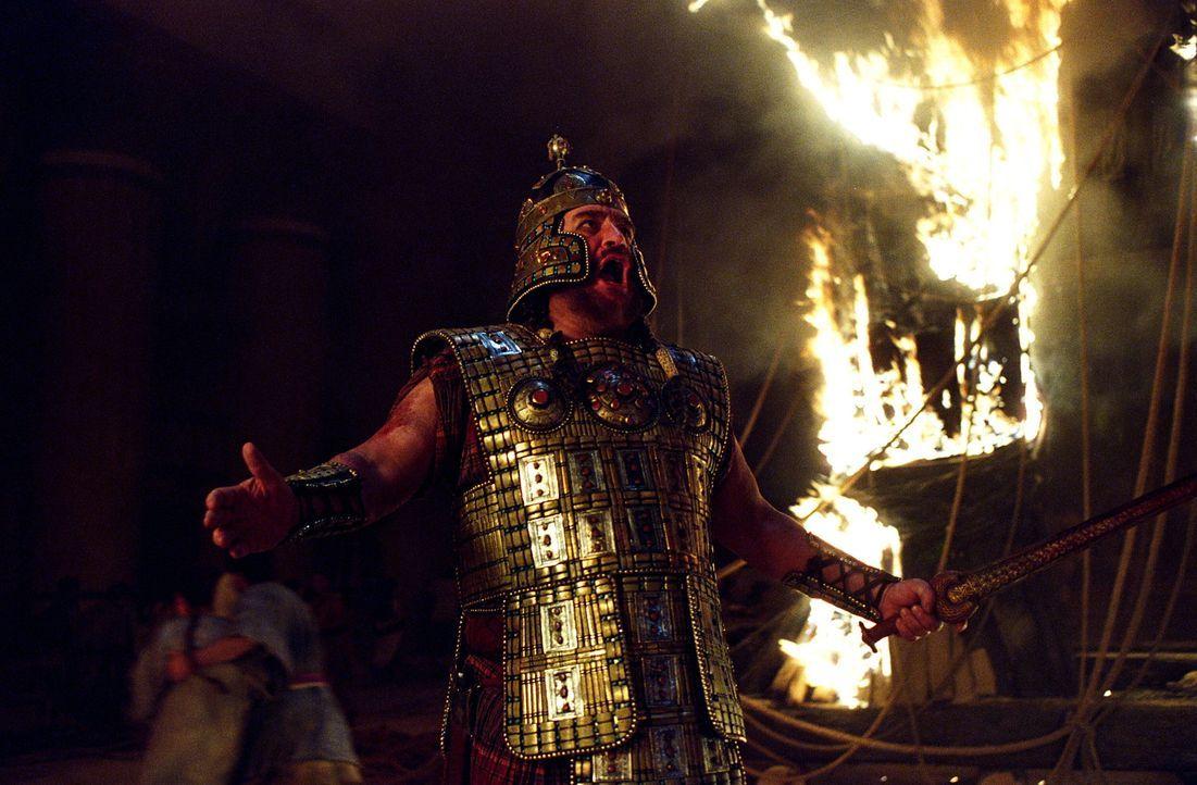 Nach zehn Jahren, tausenden Toten und einem Pferdetrick gelingt es König Agamemnon (Brian Cox) endlich, dass als uneinnehmbar geltende Troja zu bes... - Bildquelle: Warner Brothers International Television