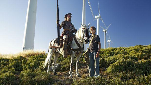Don Quichote lebt noch! Der 12-jährige Moritz (Johann Hillmann, r.) begegnet...