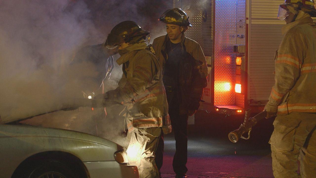 Nacht für Nacht geben die Feuerwehrleute, Sanitäter und Polizisten der Notrufzentrale in New Orleans ihr Bestes, um Menschen zu retten und zu helfen... - Bildquelle: 2015 Wolf Reality, LLC and 44 Blue Productions, Inc.  All Rights Reserved.