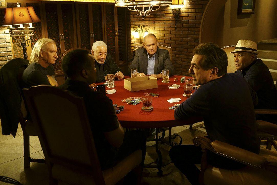 Männerabend: Bill Withers (Bill Withers, 3.v.l.), Joe Walsh (Joe Walsh, l.), Willie J. Williams (Willie J. Williams, 2.v.l.), Ron Coleman (Ron Colem... - Bildquelle: Monty Brinton ABC Studios