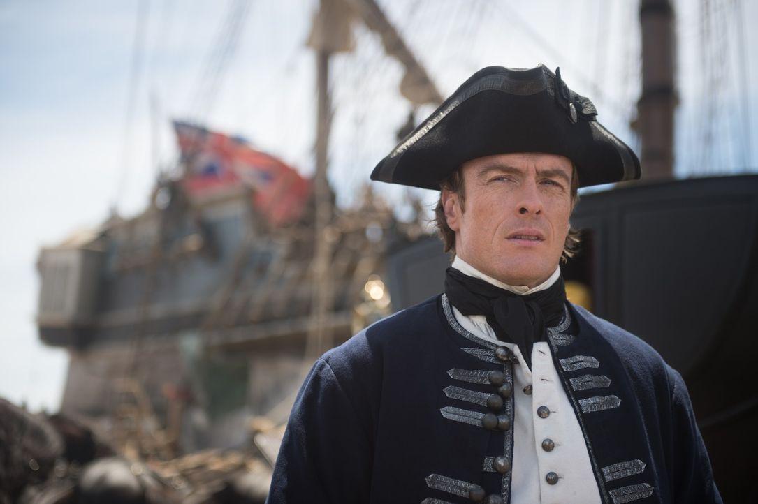 London, 1705: Flint (Toby Stephens), damals noch James McGraw, wird durch Lord Hamilton auf das Piratenproblem in Nassau aufmerksam gemacht und verl... - Bildquelle: David Bloomer 2015 Starz Entertainment LLC, All rights reserved.