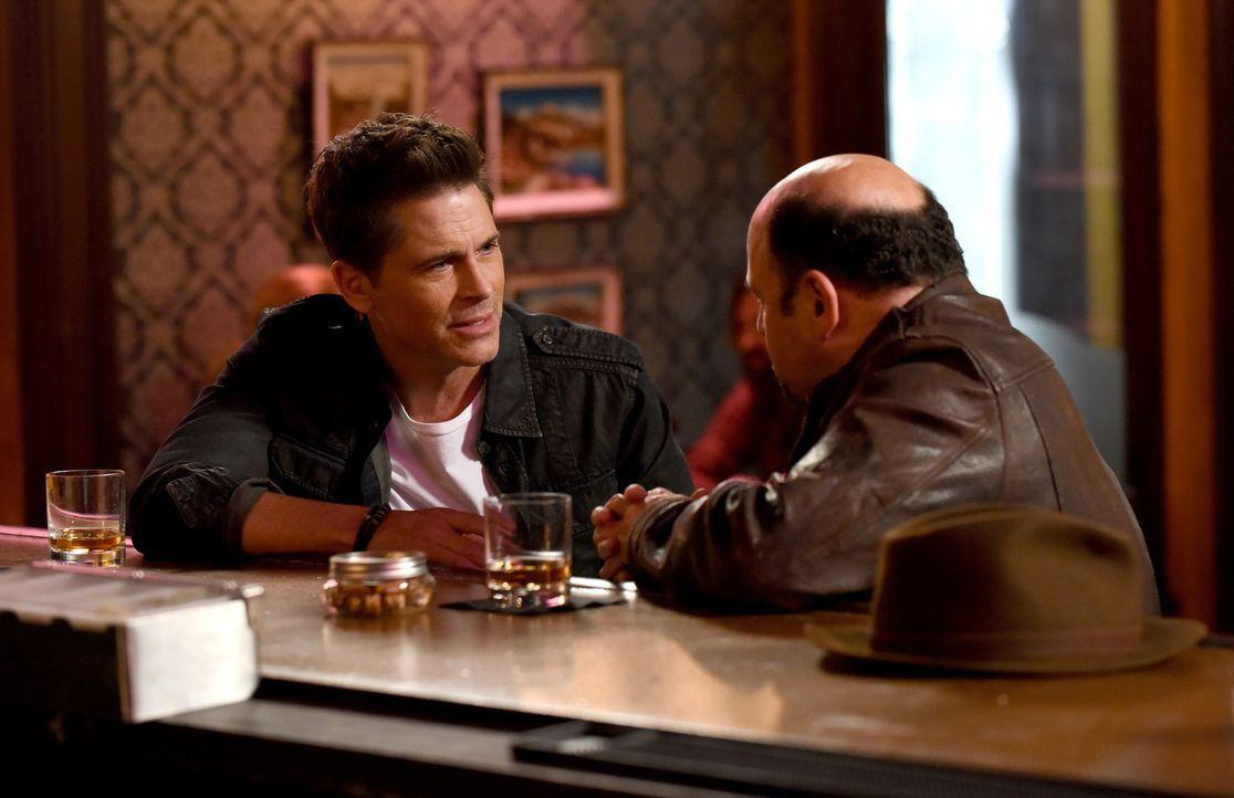 Wird ein Treffen zwischen Dean (Rob Lowe, l.) und Cliff (Jason Alexander, r.) dafür sorgen, dass Dean wieder in alte Muster zurückfällt? - Bildquelle: 2015-2016 Fox and its related entities.  All rights reserved.