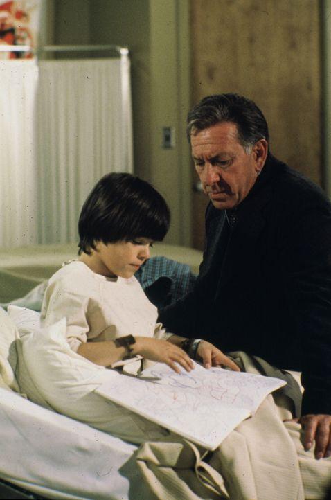 Eines Nachts liest Melissa einen kleinen Jungen von der Straße auf. Kurz darauf werden die beiden in einen Autounfall verwickelt. Als Quincy (Jack K... - Bildquelle: Universal Pictures