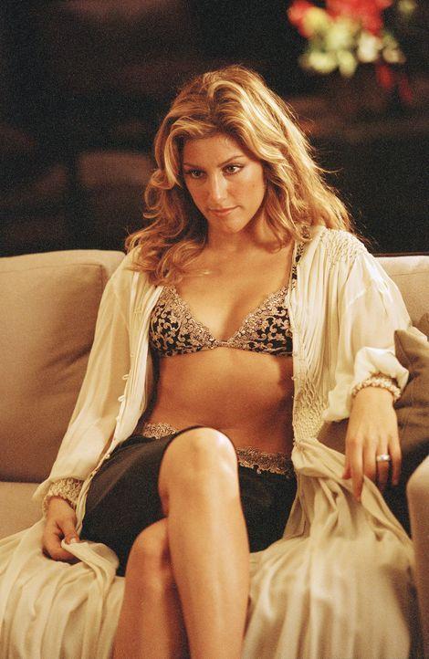 Die begehrenswerte Rita (Jennifer Esposito) ist der Grund für die Trennung von Evan und Nicky. Ein schlechtes Gewissen plagt sie nicht, ganz im Geg... - Bildquelle: 2006 Sony Pictures Television International.