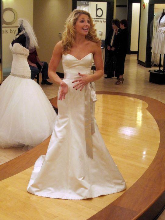 Die blonde Brooke hat sehr hohe Ansprüche und ist nicht leicht zufriedenzustellen, schon gar nicht mit einem günstigen Kleid. - Bildquelle: TLC & Discovery Communications