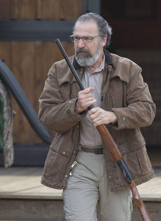 Wird zu einer ganz besonderen Entenjagd eingeladen: Saul (Mandy Patinkin) ... - Bildquelle: 2013 Twentieth Century Fox Film Corporation. All rights reserved.