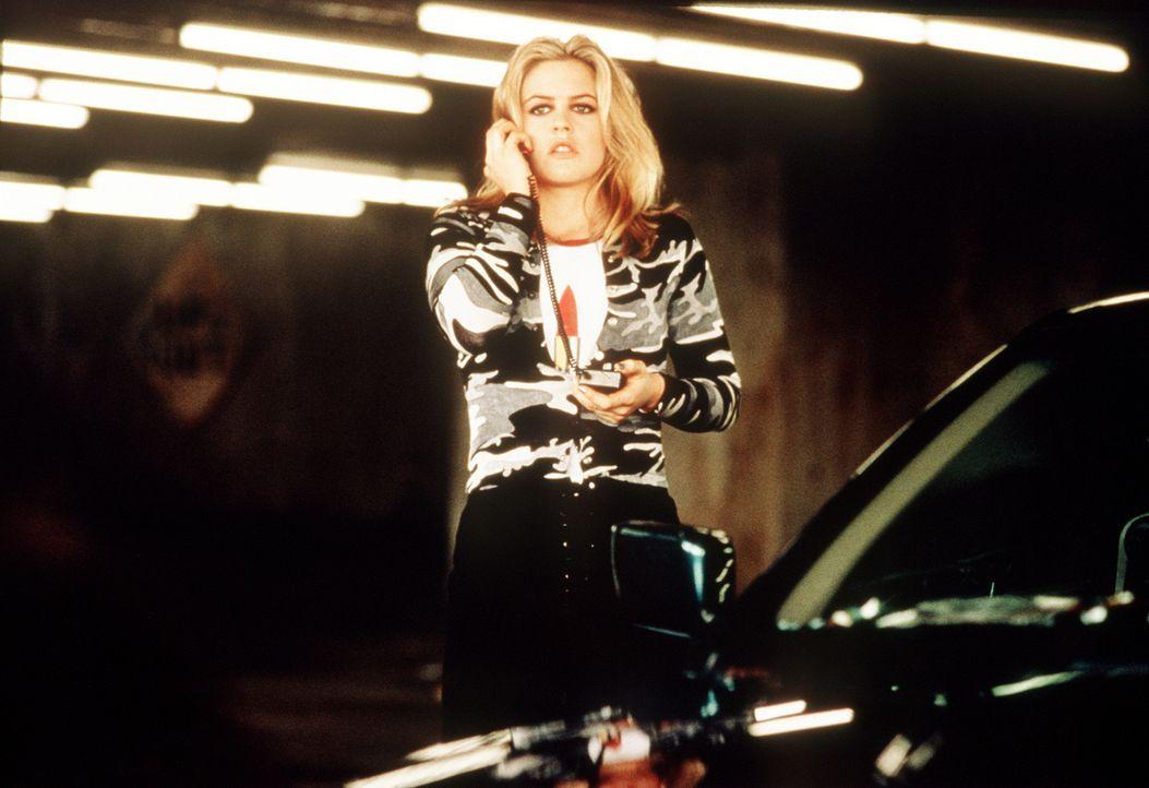Emily Hope (Alicia Silverstone) ist reich und schön, aber ihre Eltern schenken ihr wenig Aufmerksamkeit. Deshalb schmiedet sie einen perfiden Plan .... - Bildquelle: Columbia Pictures