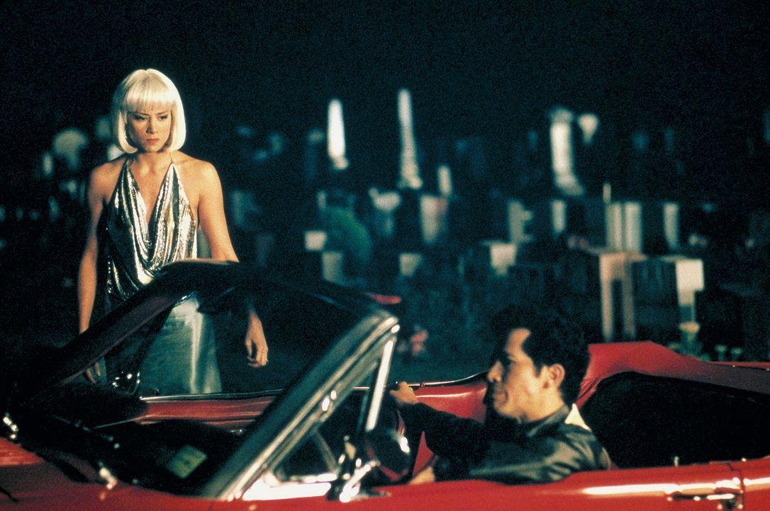 """Sommer 1977. Ein Serienmörder, der sich """"Son of Sam"""" nennt, treibt sein Unwesen in der Bronx. Schon bald befürchtet Dionne (Mira Sorvino, l.), dass... - Bildquelle: Buena Vista International"""