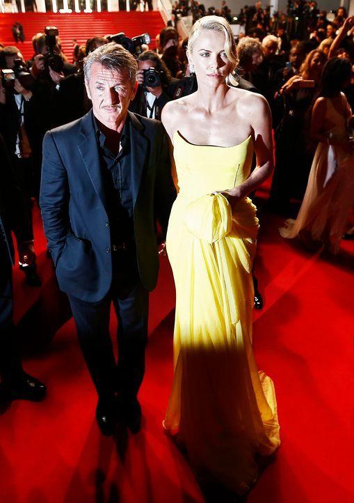 Cannes-Film-Festival-Sean-Penn-Charlize-Theron-150514-dpa - Bildquelle: dpa