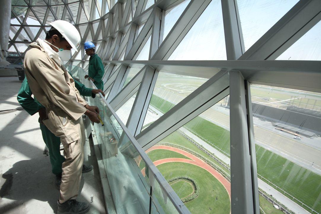 Die luxuriöseste Rennbahn der Welt: Der Dubai World Cup ist zudem mit ca. 10 Millionen Dollar das höchstdotierte Pferderennen der Welt, das Ende Mär... - Bildquelle: 2010 NGC Network International,  LLC All rights reserved.