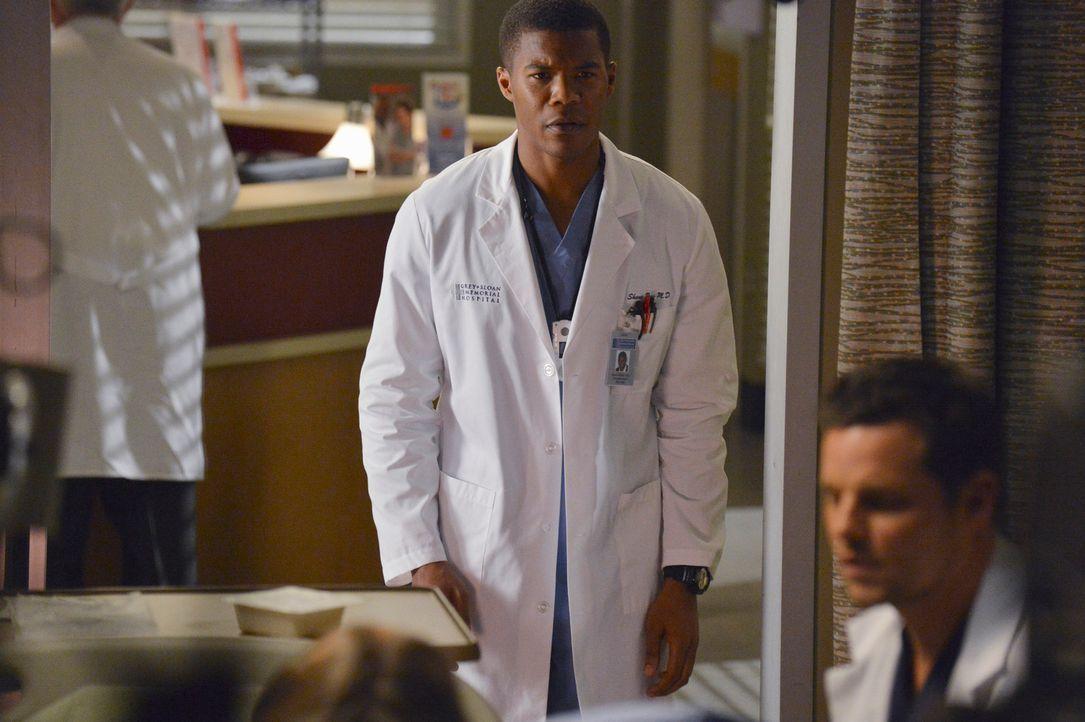 Möchte sich bei Alex (Justin Chambers, r.) entschuldigen, doch das geht nach hinten los: Shane (Gaius Charles, l.) ... - Bildquelle: ABC Studios