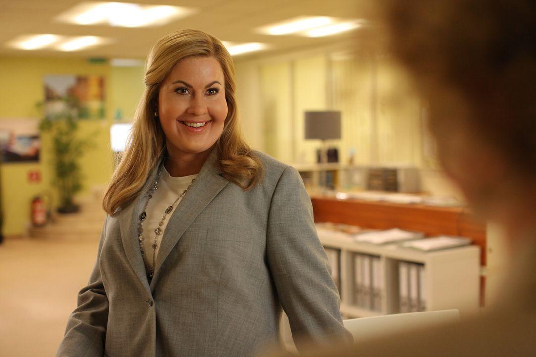 Die äußerst attraktive Hotelmanagerin Jessica Grashoff (Wolke Hegenbarth) hat alles, was man sich vorstellen kann - Erfolg im Job, eine Wahnsinnsf... - Bildquelle: Petro Domenigg SAT.1