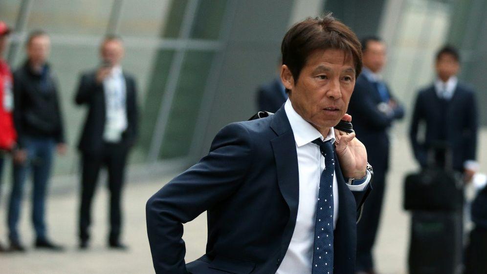 Japan mit Trainer Nishino ist in Russland gelandet - Bildquelle: AFPSIDROMAN KRUCHININ