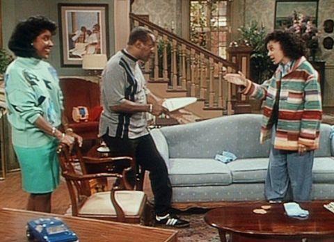 Bill Cosby Show - Cliff (Bill Cosby, M.) bedroht Sondra (Sabrina LeBeauf, r.)...