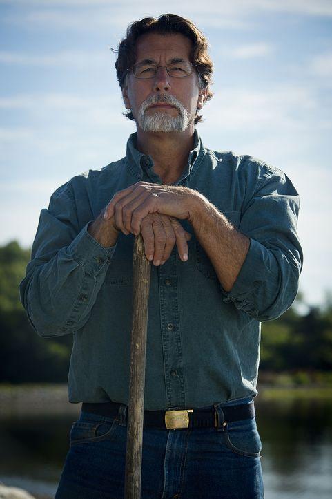 """Rick Lagina ist ein pensionierter US-Postangestellter aus Nord-Michigan, der davon geträumt hat, das """"Oak Island""""-Geheimnis zu lösen, seit er mit 11... - Bildquelle: 2014 A&E Television Networks, LLC. All Rights Reserved/ PROMETHEUS ENTERTAINMENT"""
