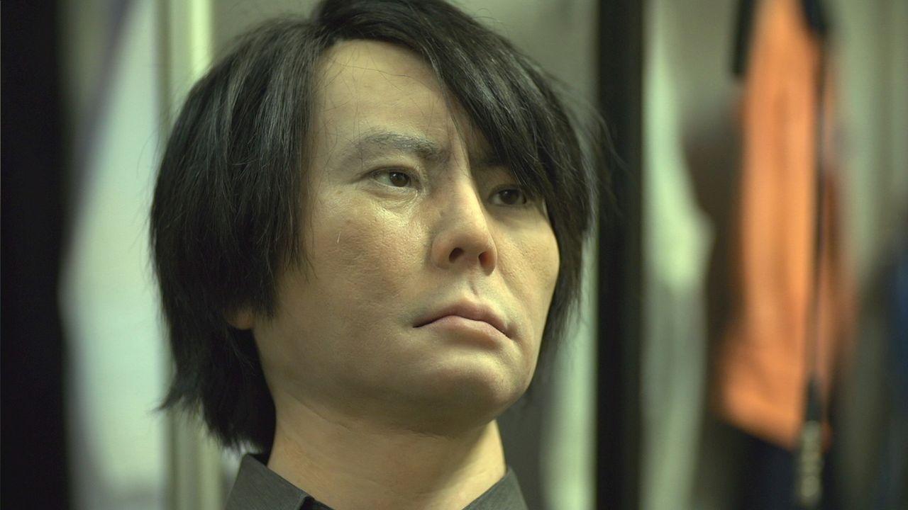 Die neuesten Geminoid-Roboter von Dr. Hiroshi Ishiguro und seinem Team verwenden über 50 Aktuatoren, um die Gesichtsausdrücke von Menschen nachzuahm... - Bildquelle: AETN