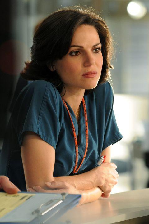 Niederschmetterndes Ergebnis für Dr. Zambrano (Lana Parilla): Die Quote der praktizierenden Frauen in der Unfallchirurgie liegt bei nur 2 Prozent ... - Bildquelle: Warner Brothers