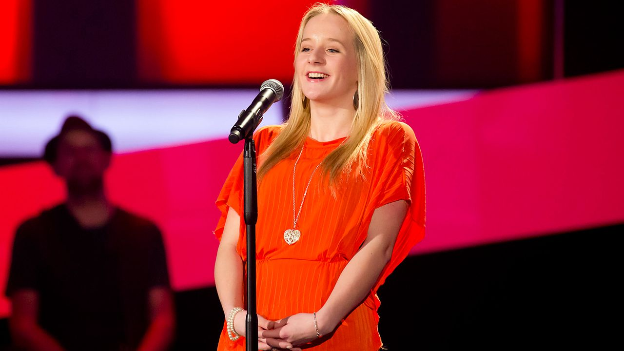 The-Voice-Kids-epi03-danach-Luisa-M-3-SAT1-Richard-Huebner - Bildquelle: SAT.1/Richard Hübner