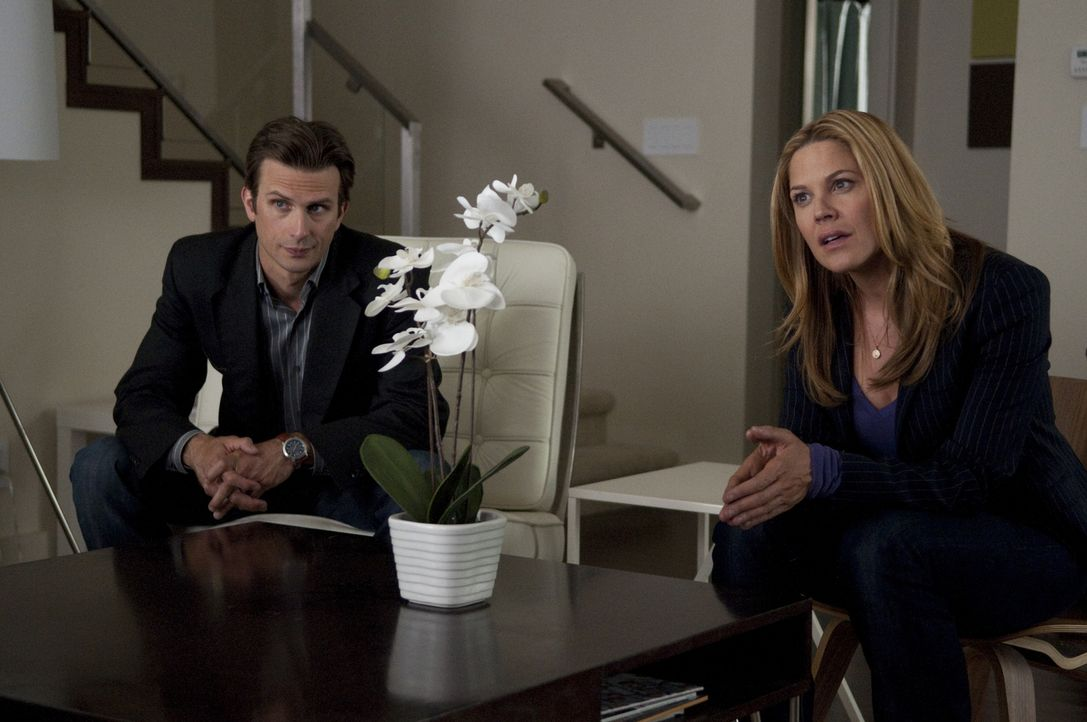 Marshall Mann (Frederick Weller, l.); Mary Shannon (Mary McCormack, r.) - Bildquelle: Colleen Hayes USA Network/Colleen Hayes