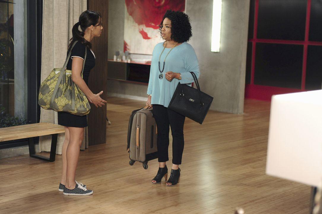 Rosie (Dania Ramirez, l.) erkennt zu spät, welche Auswirkungen ihre Standpauke für Lucinda (Kimberly Hebert Gregory, r.) hat ... - Bildquelle: 2014 ABC Studios