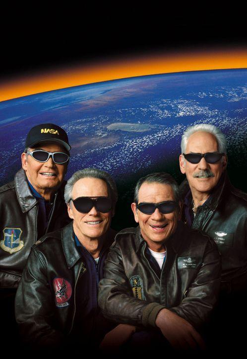 40 Jahre nach ihrem letzten Weltraumflug wagen sich die vier Astronauten Frank (Clint Eastwood, 2.v.l.), Hawk (Tommy Lee Jones, 2.v.r.), Jerry (Dona... - Bildquelle: Warner Bros. Pictures