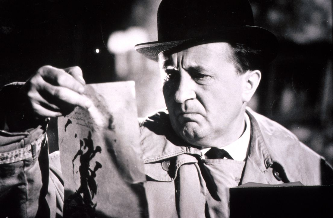 Allmählich legt sich die Schlinge um den Hals des Verdächtigen - für Inspektor Bourke (Siegfried Lowitz) ist die Lösung des Falles zum Greifen nah .... - Bildquelle: Constantin Film