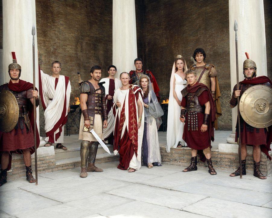 Rom im Jahr 44 v. Chr.: (v.l.n.r.) Cassius (Michael Maloney), Tyrannus (Jonathan Cake), Brutus (James Frain), Cäsar (Colm Feore), Marcus Antonius (... - Bildquelle: Hallmark Entertainment