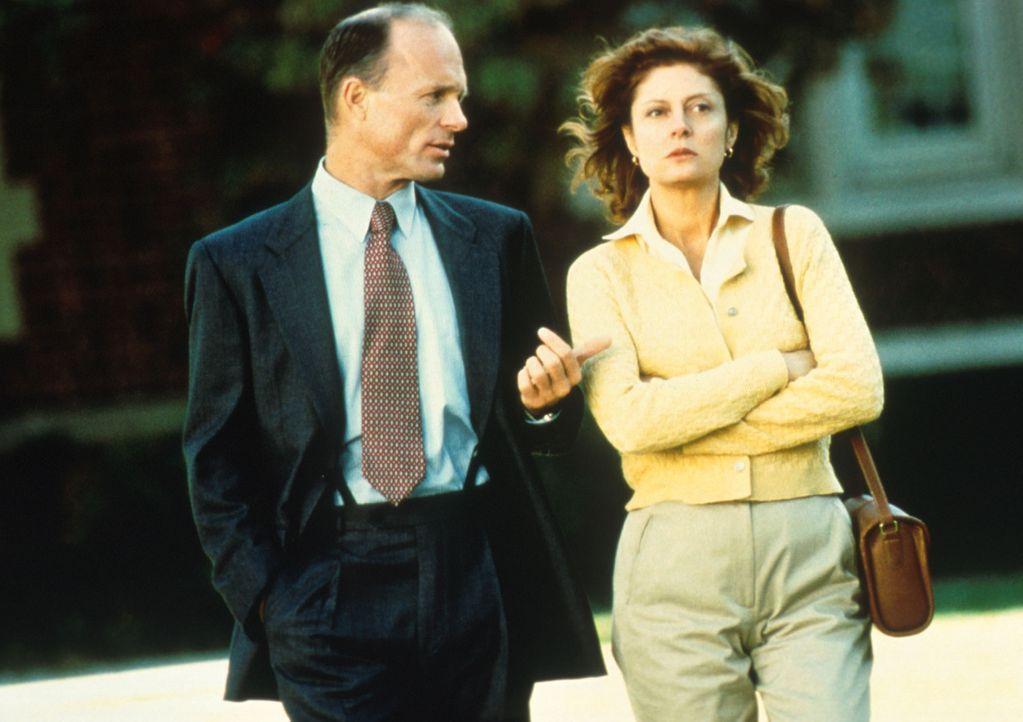 Luke (Ed Harris, l.) und Jackie (Susan Sarandon, r.) versuchen, eine gemeinsame Lösung zu finden ... - Bildquelle: Columbia Pictures