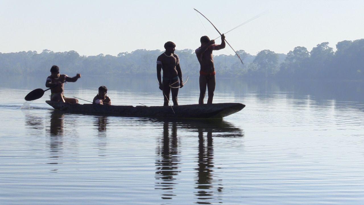 Kamayura-Indios beim Fischfang