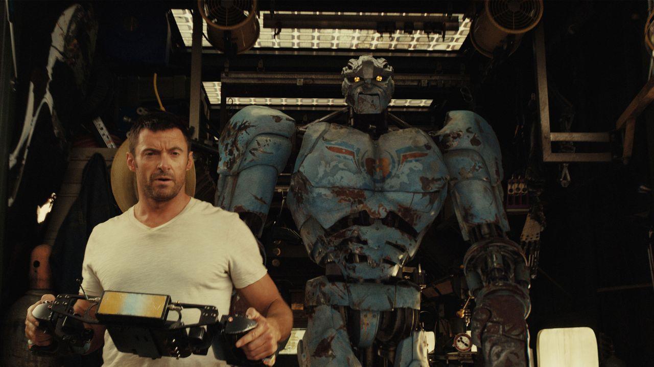 Einst war Charlie Kenton (Hugh Jackman) ein erfolgreicher Profi-Boxer, bis High-Tech-Roboter die Menschen im Ring ablösten. Jetzt schlägt er sich... - Bildquelle: Greg Williams, Melissa Moseley DREAMWORKS STUDIOS.  All rights reserved